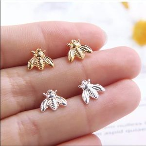 🎉5 for $25🎉 Bumblebee Stud Earrings